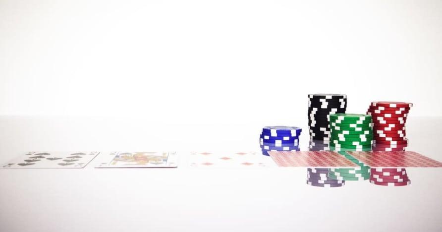 افهم قاعدة Blackjack Soft 17 في المقامرة عبر الإنترنت